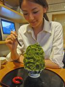 下北沢・日本茶専門店の「特大かき氷」が人気-休日は長蛇の列も